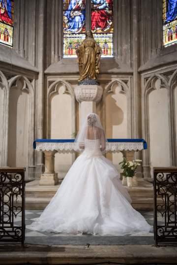 Photo de mariée à l'église